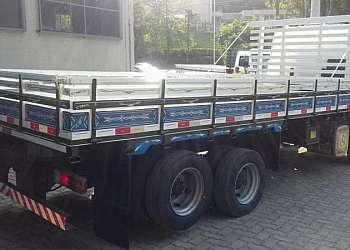 Carreta de carga seca