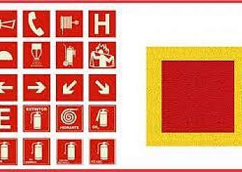 Empresa de carreta de sinalização viária